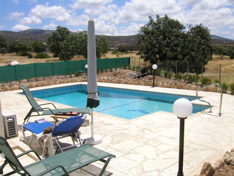 مسابح مساحات صغيرة برك سباحة بسيطة مسبح لذوي دخل المحدود تصميم مسابح